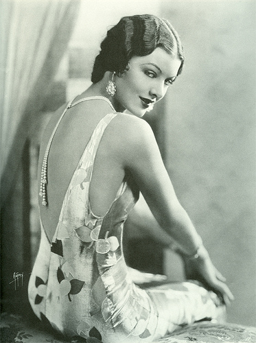 Myrna Loy backless dress 1