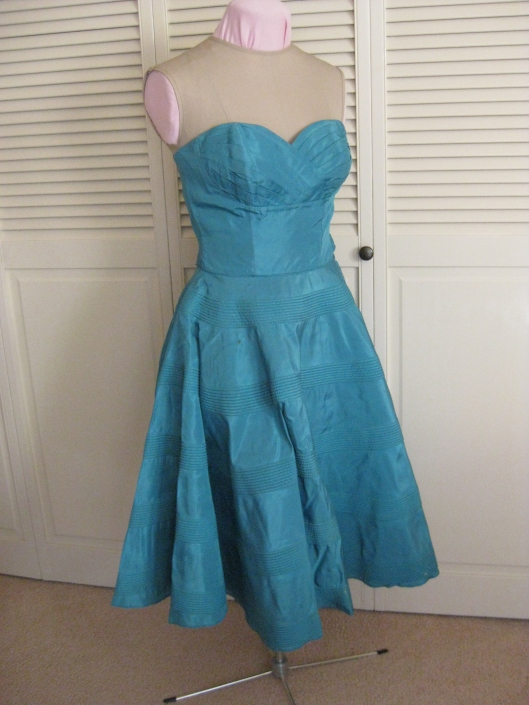 1950 Turquoise dress 01