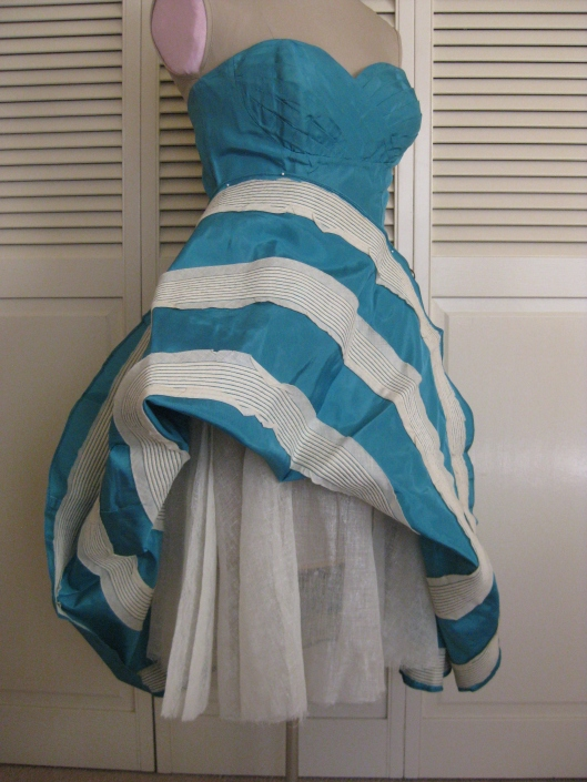1950 Turquoise dress 06